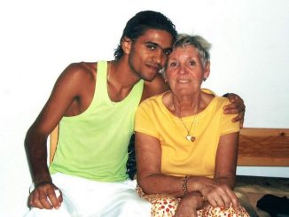 collect-picture-shows-wedding-of-21yr-tunisian-waiter-rafan-to-dsorothy-77yrs